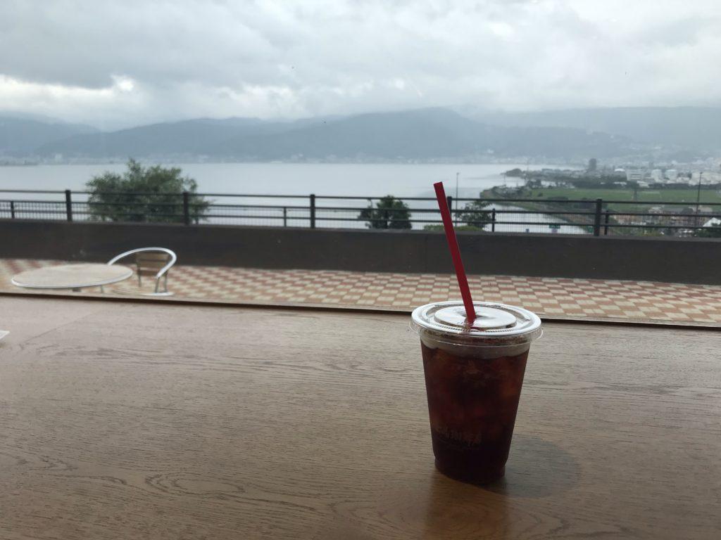 梅雨の諏訪湖